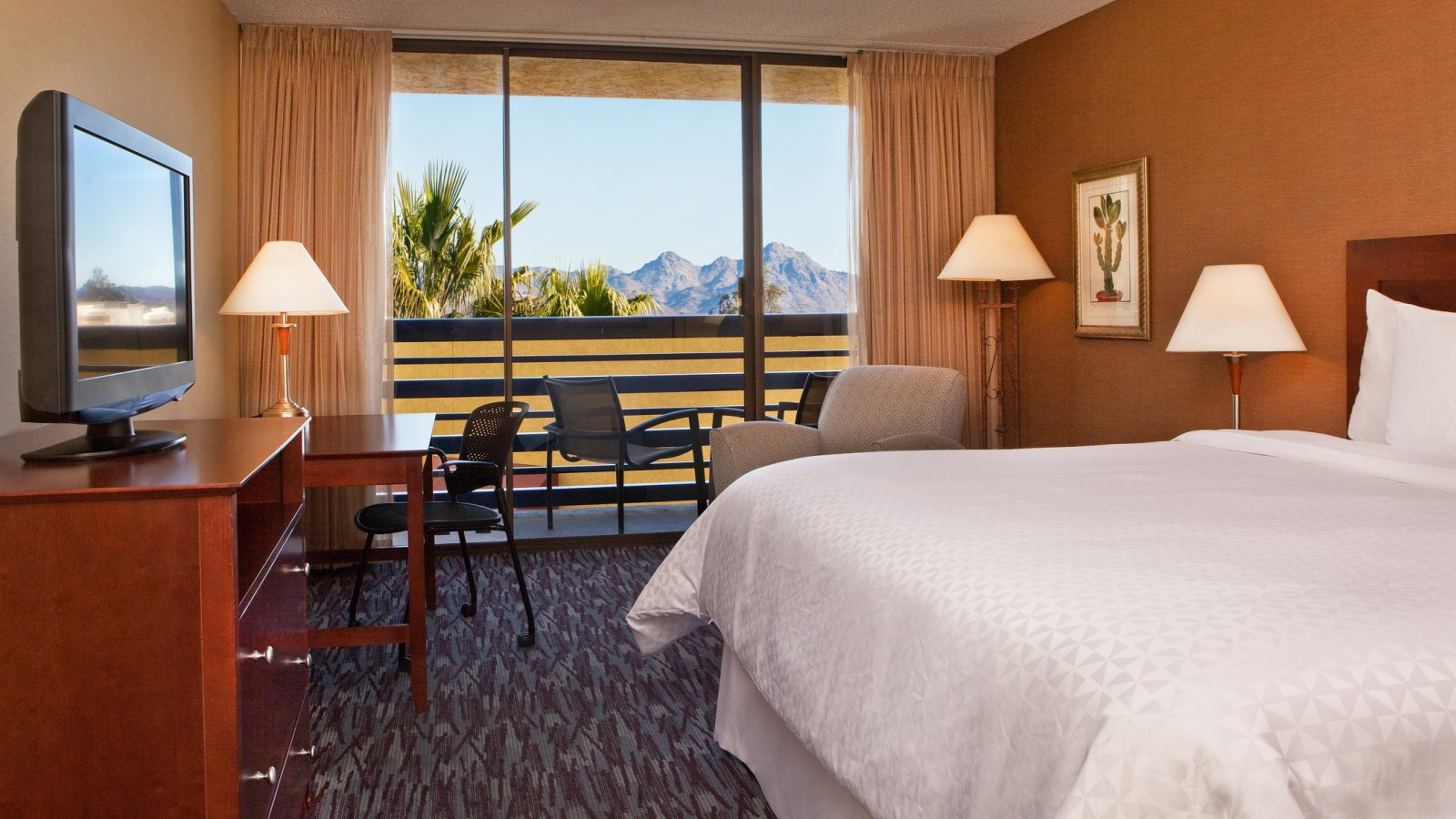 Phoenix Accommodations - Traditional King Room